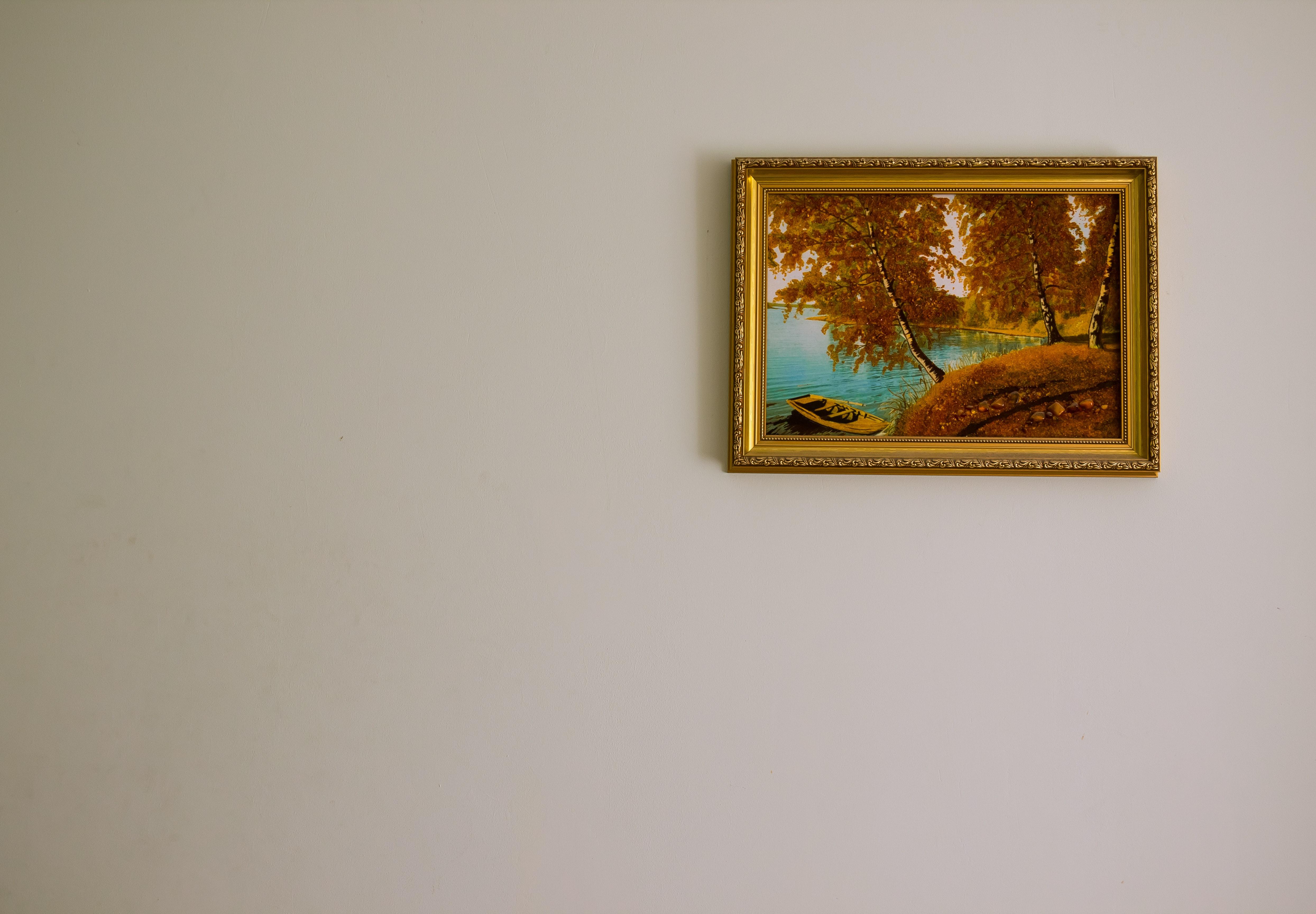 Ophangen van een schilderij