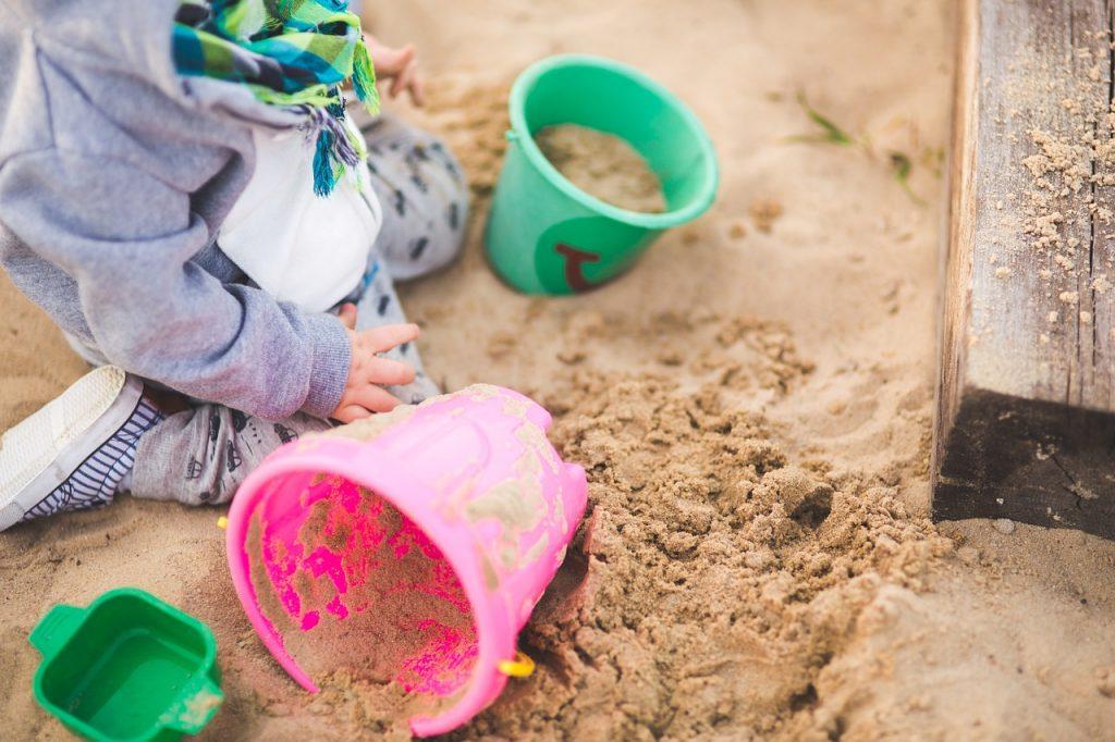 Zelf een zandbak maken